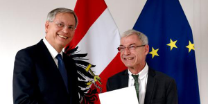 Sozialminister Stöger mit Behindertenanwalt Dr. Hofer