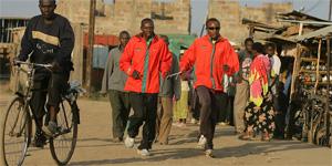 Spitzenathleten Francis und Joseph Karanja aus Kenia, Offizielle Botschafter für END EXCLUSION. Foto: END EXCLUSION