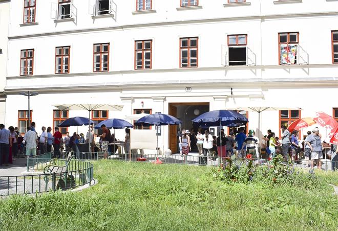 Jugend am Werk - Eröffnung des Galeriecafes werd:art