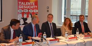 Dr. Schuster (Sozialministeriumservice), Dr. Gleitsmann (WKÖ), Mag. Andexer (FACC), Mag. Maurer (McDonalds), KR Wagner (Reiwag Facility Services); Fotocredit: CM Creative