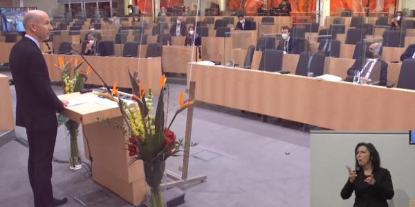 Wirtschaftsminister Kocher im Parlament